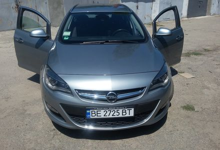 Продам Opel Astra J Sports Tourer Innovation 2013 года в Николаеве