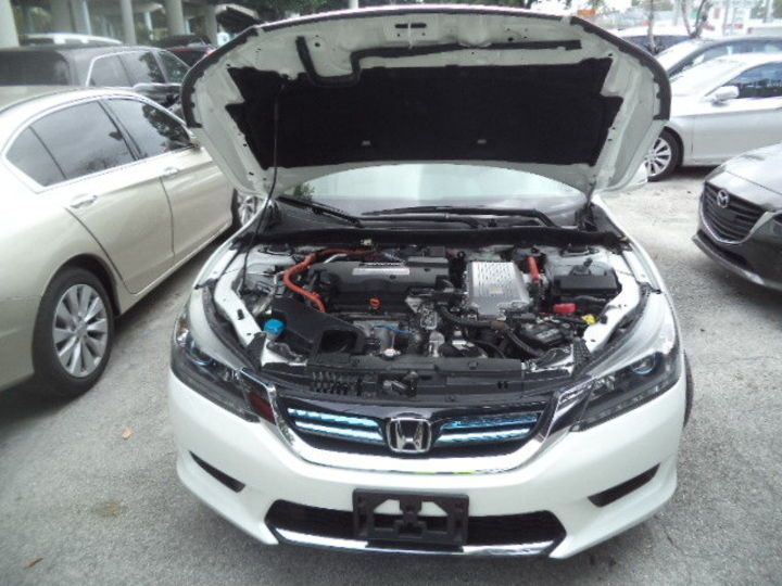 Продам Honda Accord Hybrid-Electric 2017 года в Одессе